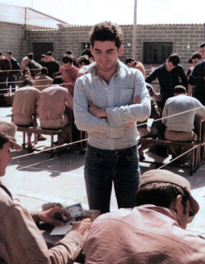 01-06a.- Toma de datos en EL BIR. Foto: Julián Fernández. EL BIR, 1975