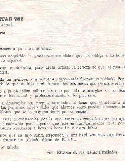 01-07a.- Un detalle con la familia. Documento: Juan Cabrera. 1975