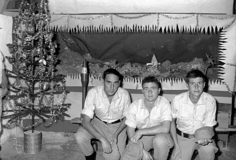 04-02.- Navidad… Navidad… triste Navidad. Foto: Carlos García. Villa Cisneros, Diciembre 1970