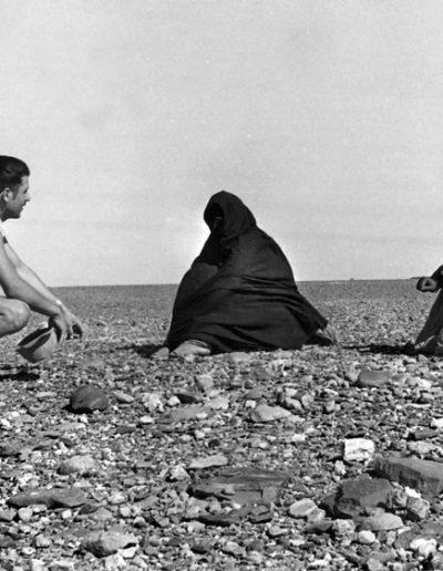 07-03.- Intentando ligar. Misión imposible Foto: Sixto Palacios. 2ª Cia. de Radio. Hausa, 1967