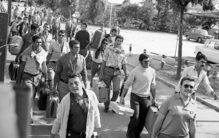 10-8.- Llegada a Madrid ¡¡La Peni… estamos en la Peni!! Foto: Juan Piqueras. Madrid 16 de Junio de 1972