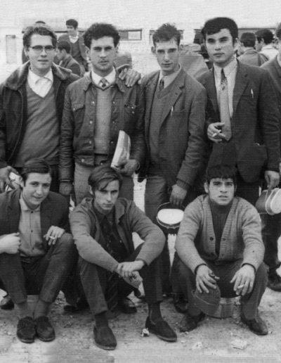 01-08b.- En Cádiz, camino de El BIR. Foto: Bernardo Prats . Cádiz, 1970