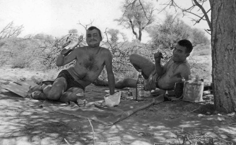 08-05a.- Un momento feliz Foto: Roberto Maseda. Smara, 1969-1970