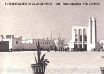 031.- Villa Cisneros, El Fuerte y la Iglesia.